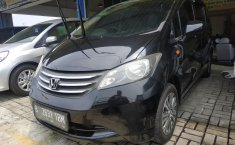 Jual mobil bekas Honda Freed PSD AT 2009 dengan harga murah di Jawa Barat