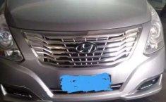 Mobil Hyundai H-1 2016 XG terbaik di Bali