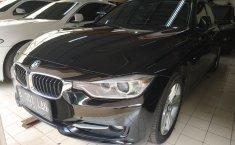 Jual Cepat Mobil BMW 3 Series 320i 2013 di Jawa Barat