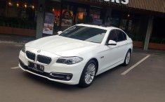 Mobil BMW 5 Series 528i 2015 dijual, DKI Jakarta