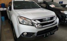 Jual Cepat Mobil Isuzu MU-X 2.5 AT 2015 di Jawa Barat
