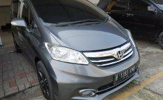 Jual mobil Honda Freed PSD AT 2013 dengan harga terjangkau di Jawa Barat