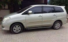 Mobil Toyota Kijang Innova 2011 G terbaik di Lampung