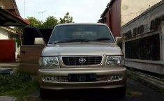 DIY Yogyakarta, Toyota Kijang LGX 2001 kondisi terawat