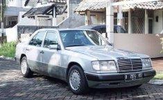 Jual Mercedes-Benz E-Class E 300 1992 harga murah di Banten