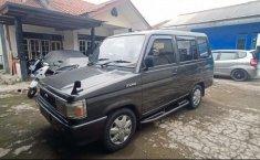 Jawa Barat, Toyota Kijang 1.5 Manual 1989 kondisi terawat