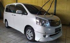 Jual Cepat Mobil Toyota NAV1 Luxury V 2015 di Bekasi