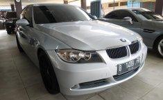 Jual mobil BMW 3 Series 320i AT 2005 dengan harga murah di DKI Jakarta