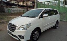 Jual mobil Toyota Kijang Innova 2.0 G AT 2014 murah di Jawa Barat
