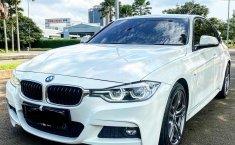 Jual mobil BMW 3 Series 330i M SPORT F30 2016 dengan harga terjangkau di DKI Jakarta