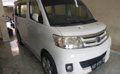 Jual mobil Daihatsu Luxio X 2011 terbaik di DIY Yogyakarta