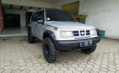 Jual Cepat Mobil Suzuki Sidekick 1.6 2000 di Bekasi