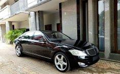 Jual Cepat Mobil Mercedes-Benz S-Class S 500 L 2007 Sedan di DKI Jakarta