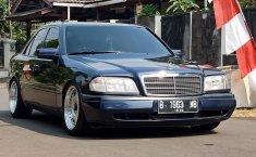 Jual Cepat Mobil Mercedes-Benz C-Class C200 1995 di DKI Jakarta
