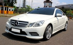 Jual Cepat Mobil Mercedes-Benz E-Class 250 Coupe 2012 Putih di DKI Jakarta