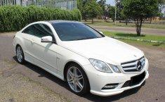 Dijual Mobil Mercedes-Benz E-Class 250 Putih 2012 Coupe di DKI Jakarta