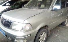 Jual Cepat Mobil Toyota Kijang LGX 2004 di Depok