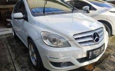 Jual mobil Mercedes-Benz B-CLass B 180 AT 2009 dengan harga murah di DKI Jakarta