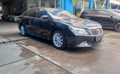 Dijual Cepat Mobil Toyota Camry V 2.5 AT 2013 Kondisi Apik di Bekasi
