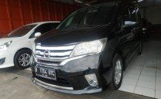 Jual mobil Nissan Serena Highway Star AT 2014 murah di Jawa Barat