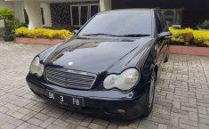 Aceh, jual mobil Mercedes-Benz C-Class C200 2001 dengan harga terjangkau