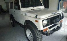 Jual mobil Suzuki Jimny 1.0 Manual 2003 bekas di Jawa Tengah