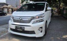 Mobil Toyota Vellfire 2012 Z dijual, Jawa Timur
