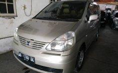 Jual mobil Nissan Serena 2.0 NA 2004 dengan harga murah di DIY Yogyakarta