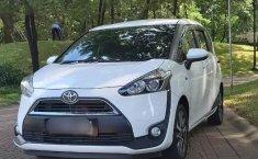 Jual Cepat Mobil Toyota Sienta V 2017 di Tangerang Selatan