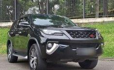 Dijual Cepat Mobil Toyota Fortuner VRZ 2018 di Tangerang Selatan