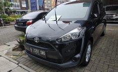 Dijual cepat mobil Toyota Sienta E MT 2017, Jawa Barat