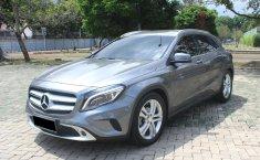 Dijual Cepat Mobil Mercedes-Benz GLA 200 2015 Abu-abu di DKI Jakarta