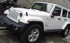 Mobil Jeep Wrangler Sahara Unlimited 2014/2015 dijual, DIY Yogyakarta