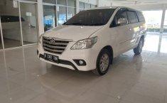 Dijual Cepat Mobil Toyota Innova G 2.0 AT 2014 Putih Kondisi Apik di Bekasi
