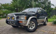 Jual Mobill Bekas Nissan Terrano Kingsroad 2000 di Tangerang