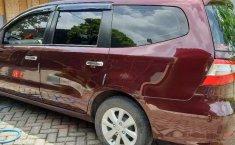 Mobil Nissan Grand Livina 2014 SV terbaik di Jawa Timur