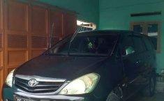 Mobil Toyota Kijang Innova 2010 E terbaik di Lampung
