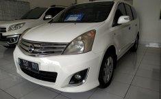 Dijual mobil Nissan Grand Livina XV Ultimate AT Putih 2013 dengan harga terjangkau, Jawa Barat