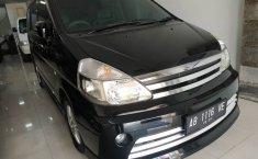 Jual mobil Nissan Serena Highway Star 2001 murah di DIY Yogyakarta
