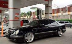 Dijual mobil bekas Mercedes-Benz E-Class E 240, Jawa Barat