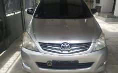 Mobil Toyota Kijang Innova 2006 2.0 G terbaik di Aceh