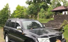 Mobil Toyota Land Cruiser 2002 Sahara terbaik di Bali
