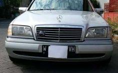 Mobil Mercedes-Benz C-Class 1997 230 terbaik di Jawa Timur