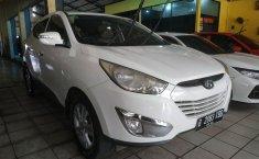 Jual mobil Hyundai Tucson GLS Bensin 2012 dengan harga murah di Jawa Barat