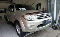 Jual mobil bekas murah Toyota Fortuner 2.5 G AT 2010 di Jawa Barat