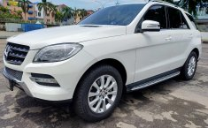 Jual cepat Mercedes-Benz M-Class ML 250 Diesel AT 2012 terbaik di DKI Jakarta