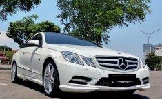 Jual mobil Mercedes-Benz E-Class E 250 2012 terbaik di DKI Jakarta