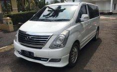 Mobil Hyundai H-1 2011 Royale terbaik di Jawa Barat