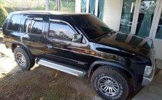 Mobil Nissan Terrano 2001 Spirit terbaik di Sumatra Barat