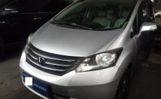 Jual Mobil Bekas Honda Freed PSD 2010 di Depok